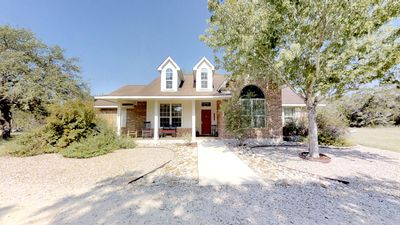 Photo for Convenient Hill Country home in San Marcos, Texas