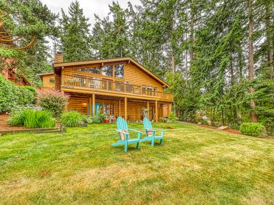 Photo for NEW LISTING! Charming retreat with easy beach access and gorgeous ocean views!