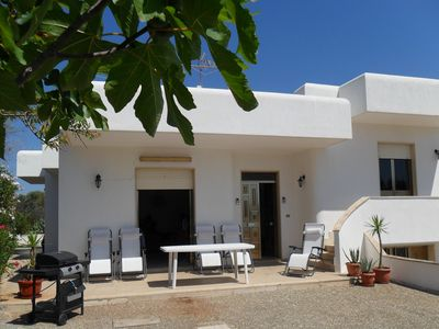 Photo for Detached villa, just minutes walk to the sea.