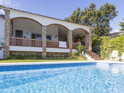 Photo for Pals, detached house with view to the sea and private pool