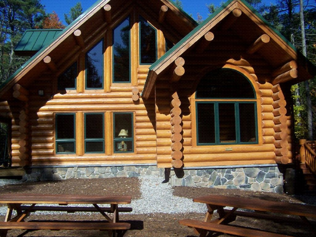 Authentic log home sebago and long lake are vrbo for Cabin rentals in maine with hot tub