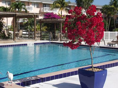 Seaside Condo, 2 pools, close to Old Town