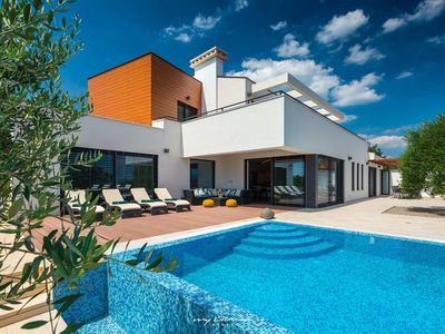 Photo for Beautiful modern villa with private pool in Istria