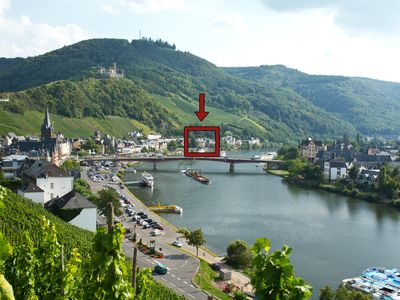 Photo for Luxuriously furnished 5 ***** NEW apartment with balcony directly on the Moselle