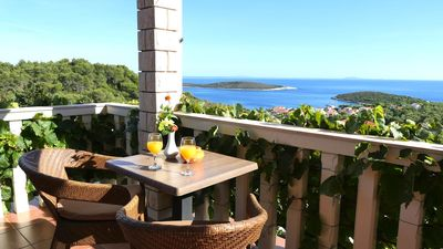 Photo for One bedroom apartment with terrace and sea view Rukavac, Vis (A-8839-a)
