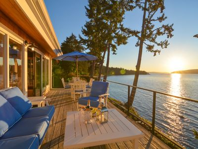 Photo for Orcas Islands Stunning Oceanfront SunBright  Le rêve