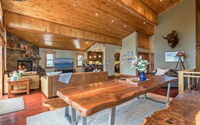 Photo for Luxury Tahoe/Donner Home w/Mountain Views, Sauna & Hot Tub! - 6 Bed / 4.5 Bath