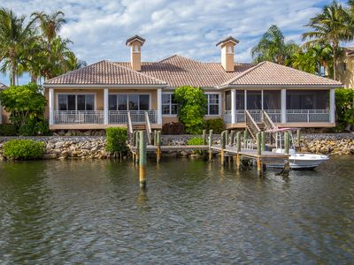 Located Directly On The Intracoastal Waterway