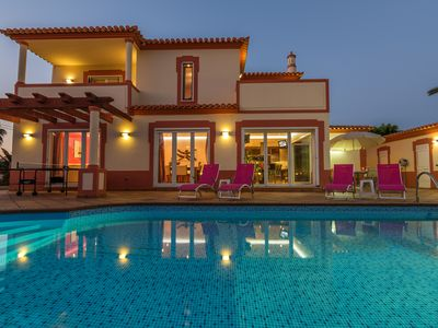 Photo for Luxurious villa with pool and garden