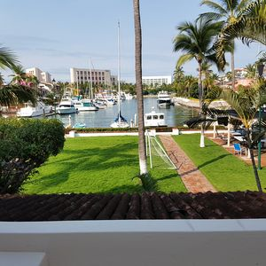 Photo for Luxury Townhouse marina location and view