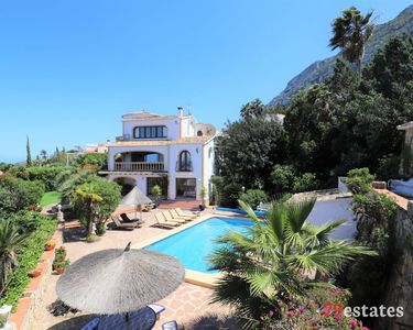 Photo for Luxury 5 bed 5 bath villa with stunning views, Private pool and tennis court