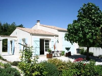 Photo for Detached house in very quiet property near Royan Meschers