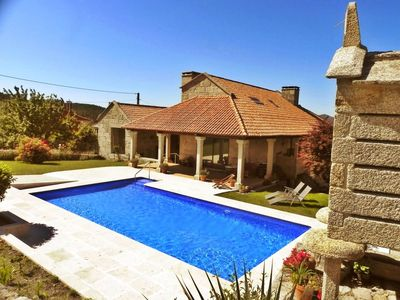 Photo for Luxurious villa with swimming pool in Pontevedra