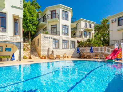 Villa Habessos: Swimming Pool, Walk to Beach, A/C, WiFi, Car Not Required