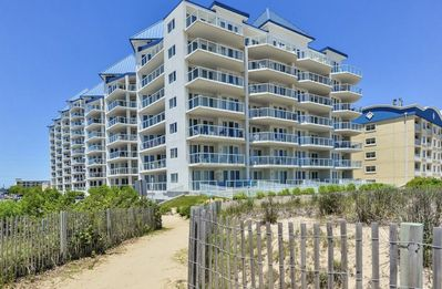 Photo for Steps to the beach, Pool, FREE Linens & Towels, Sleeps 8, Luxury on 60th!