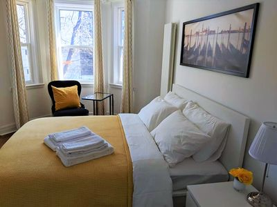 Photo for Beautifully Renovated 5-Bedroom Downtown Suite in Downtown Toronto