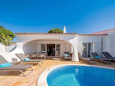 Photo for Vale do Lobo Villa, Sleeps 6 with Pool and Air Con