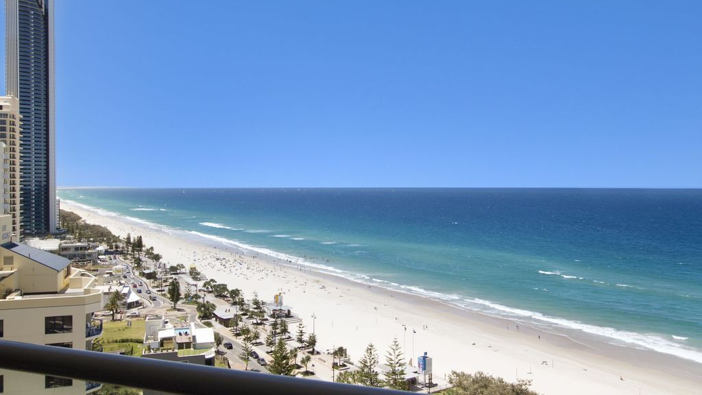 PENINSULA APARTMENTS 19B DELUXE BEACH VIEW