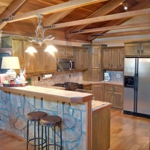 Unique Lodge-style Cabin only minutes away from Beach,Fishing and Boatlaunch