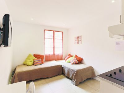 Photo for Center Cannes, apartment 7 minutes walk from the Palais des Festivals, beach, ..