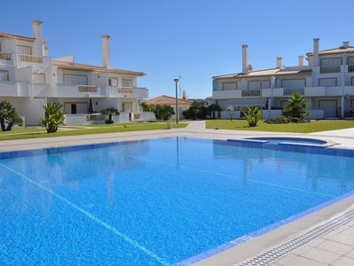 Photo for Delightful 2 Bedrooms Apt (Private Complex) AC, Wi-fi, Beaches 500m, Golf 2km