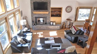 Photo for Beautiful layout, Gas Fireplace, Stainless Steel Appliances, Pool Table and now Access to SHARC!