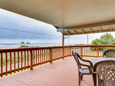 Photo for Dog-friendly oceanfront house with ocean views & entertainment - walk to beach!