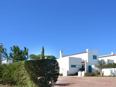 Photo for Villa with air conditioning, private pool locate 400 meters from beach.