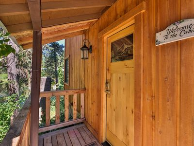 Photo for Hannah's River Cabin - Riverfront - Hot Tub - Walking Distance to Town!