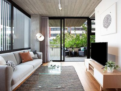 Photo for Ultra Modern 1 Bed Surry Hills Apartment