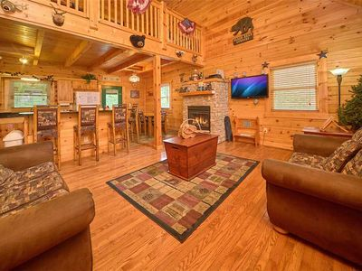 Photo for Mountain Dreams, 4 Bedrooms, Sleeps 10, Pool Access, Game Room, Hot Tub