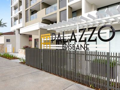 Photo for 2BR Apartment Vacation Rental in Woolloongabba, QLD