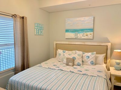 Photo for WOW! New to VRBO! Waters Edge 614! 1 Bedroom Direct Beachfront Penthouse!