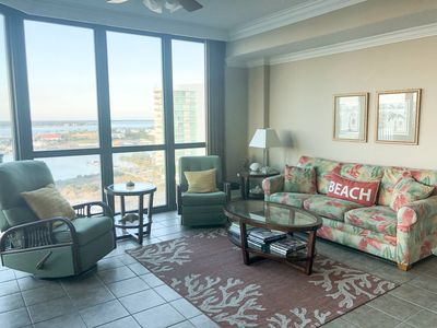 Beautiful bay views. Sleeper sofa, rocker, recliner, TV with full cable package