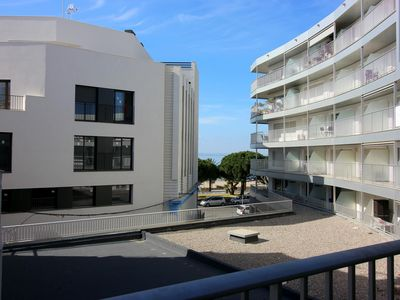 Photo for <![CDATA[Apartment in the center of Roses, on the seafront and only 20m from the beach.]]>
