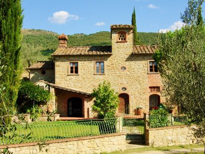 Photo for Independent holiday country house in Tuscany