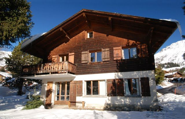 Charming sunny svizzero style chalet vista homeaway for Piani chalet svizzero