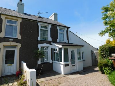 Photo for Beautiful Cottage In Morfa Nefyn Easy walk to two beaches . Large garden.