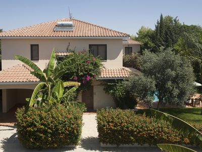 Photo for Royal Villa 4 Bedroom, Private Pool, Garden, Parking, Patio, BBQ, Wifi, Safe