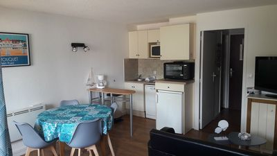Photo for Studio cabin 2 furnished 4 people with parking - golden triangle