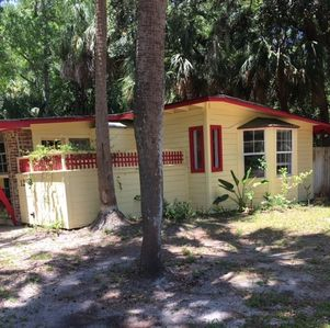 Photo for Cozy Cottage 3 minute walk to uncrowded beach FREE WIFI residential neighborhood