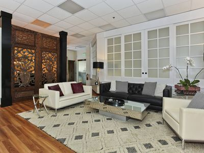 SPECIAL RATE!  Rare 3-bdrm beauty in central Waikiki! Great Amenities!