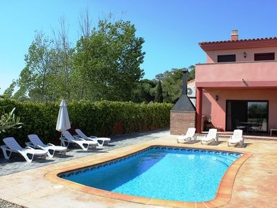 Photo for Spain, WiFi, official dog beach, 1.80 m high fence, pool