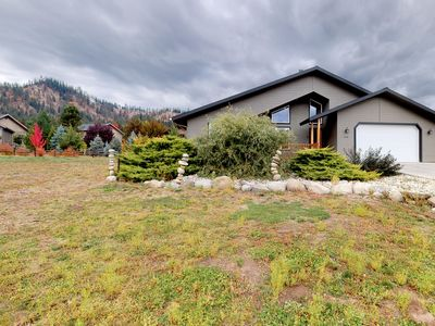 Photo for NEW LISTING! Lovely home on 1 acre w/jetted tub-near downtown Leavenworth
