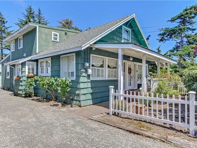 Photo for Charming Home and Large Garden Right On Siletz Bay