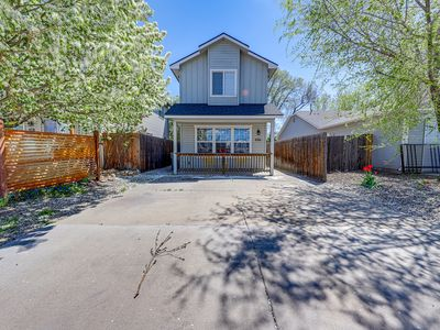 Photo for Dog-friendly house with enclosed yard & bikes - close to parks & downtown!