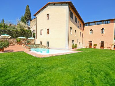 Photo for Lovely apartment for 3 guests with pool, WIFI, A/C, TV, pets allowed and parking
