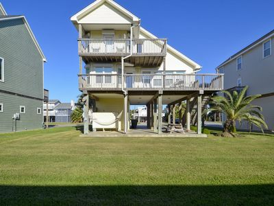 Pirate's Pearl a bountiful retreat comes fully equipped with 3 bedrooms/2 baths