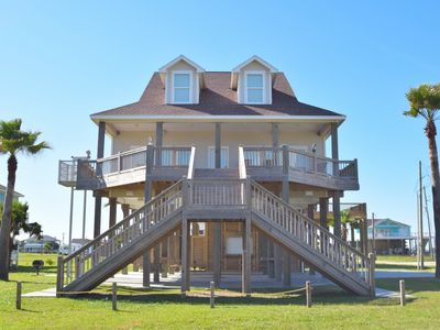 Beautiful 2 story home only a few minutes from the beach - Windchimes II
