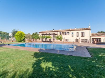 Photo for Cozy Cottage in Pla de l'Estany with Private Swimming Pool
